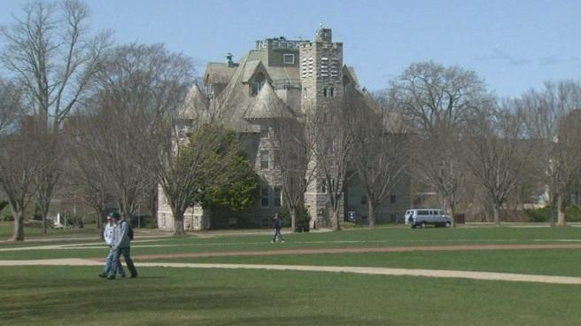URI campus - quad, Davis Hall_405223