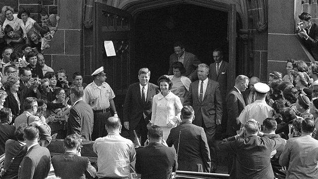 John F. Kennedy, Jacqueline Kennedy, Charles Bartlett_509803