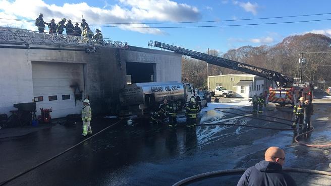 Crews make quick work of Cumberland warehouse fire