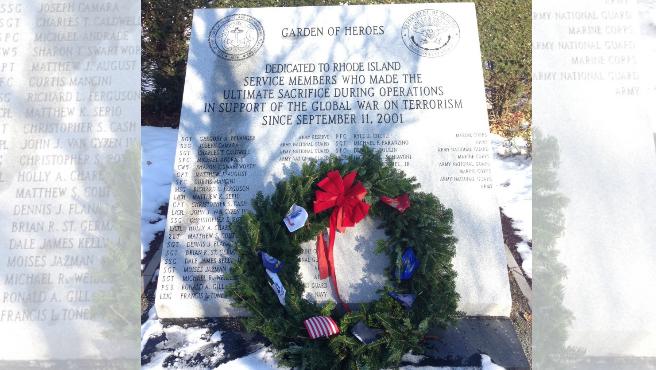 veterans-2017-wreaths-garden-heroes-blend_604122