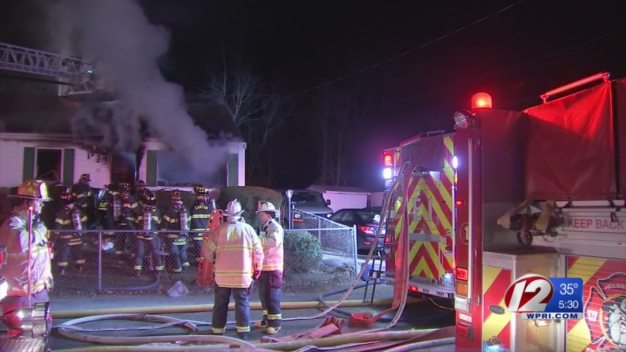 2 dead, child injured in Christmas Day house fire