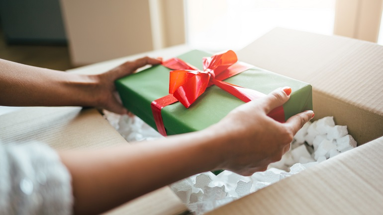 generic holiday packages shipping