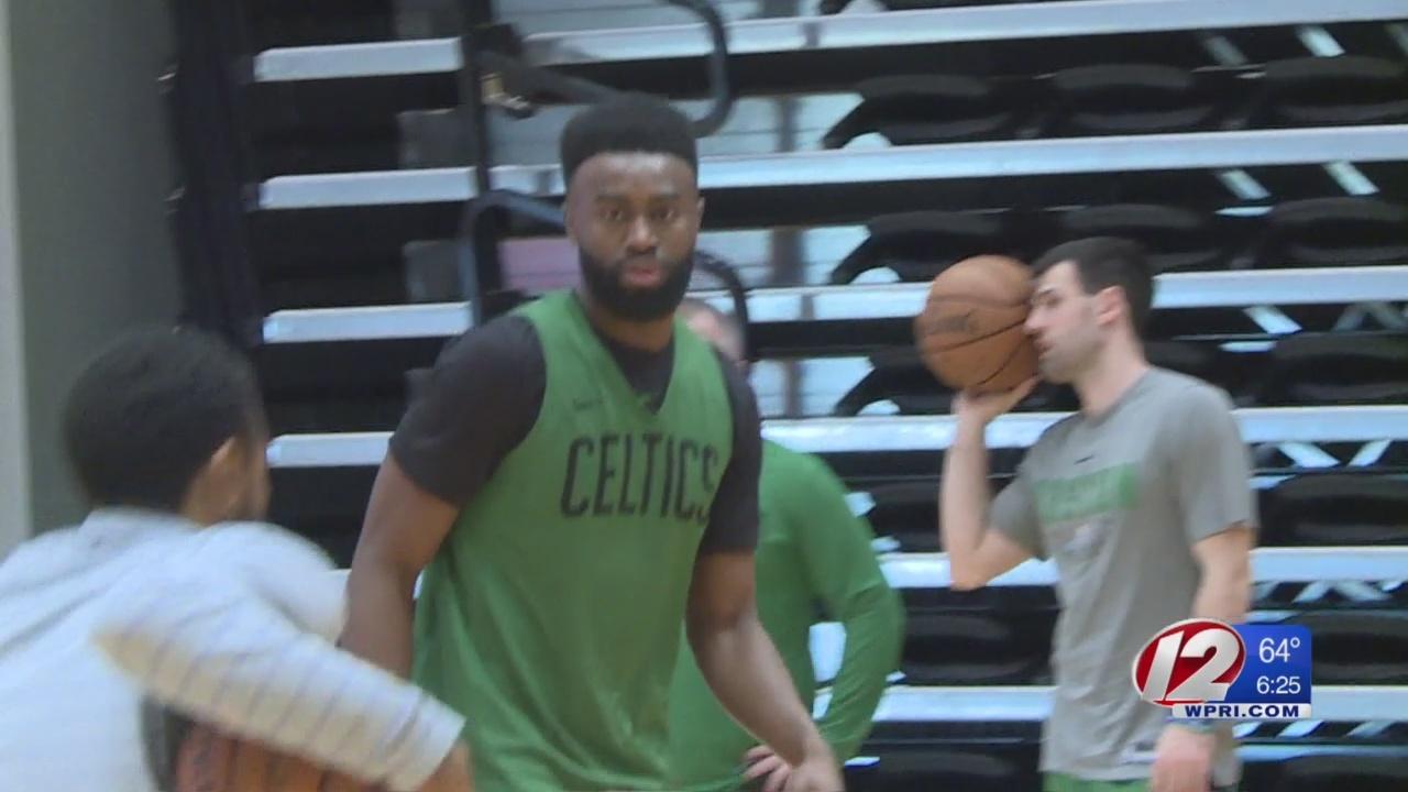 Celtics_prepare_for_Bucks_with_long_wait_0_20190424230230