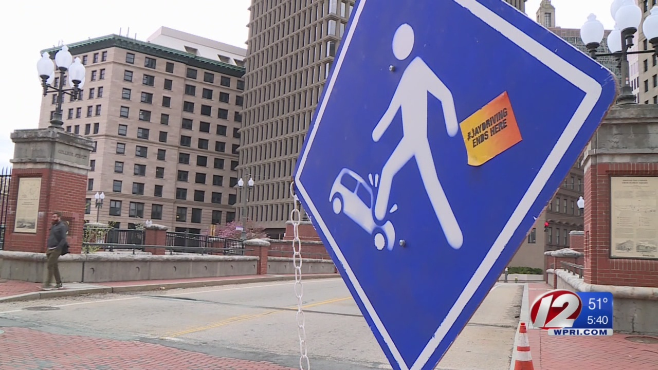 College student creates 'JayDriving' road signs