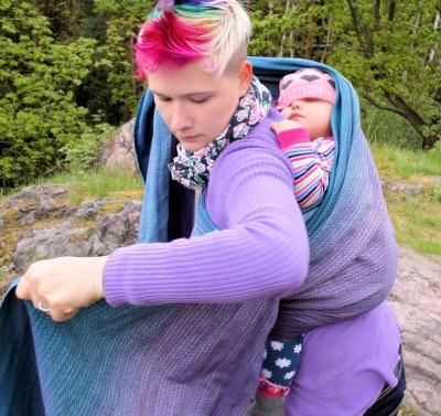 Tutorial: (basics) tucking your child's head in