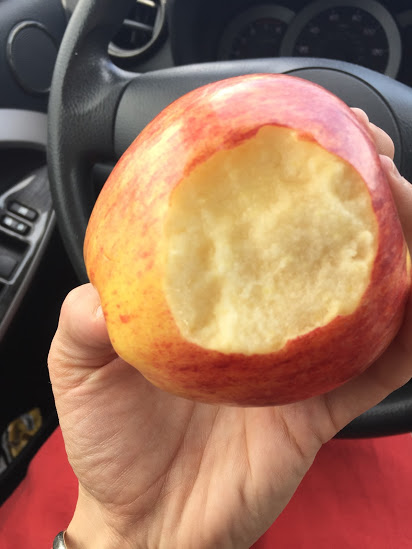 Apples for a healthy snack on the go and no refrigeration needed