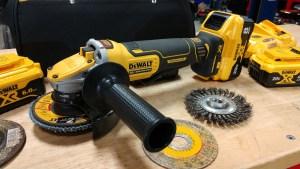 """DEWALT POWER DETECT 20V XR Brushless 5"""" Angle Grinder Review DCG415"""