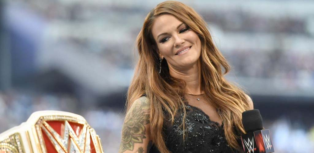 Lita returns to the ring at Evolution to take on Mickie James