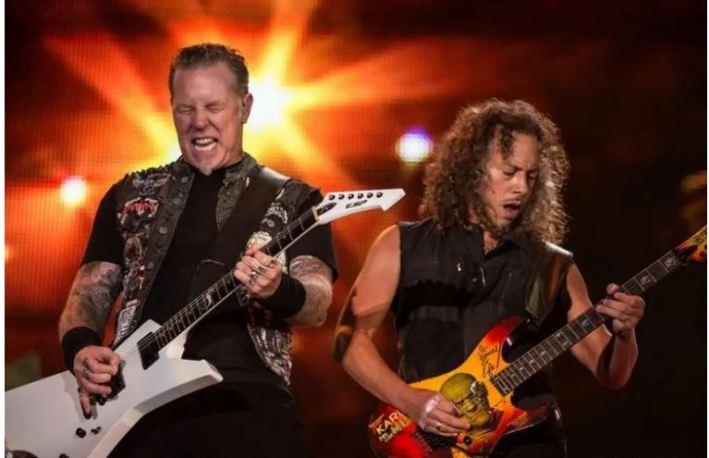 Metallica singing