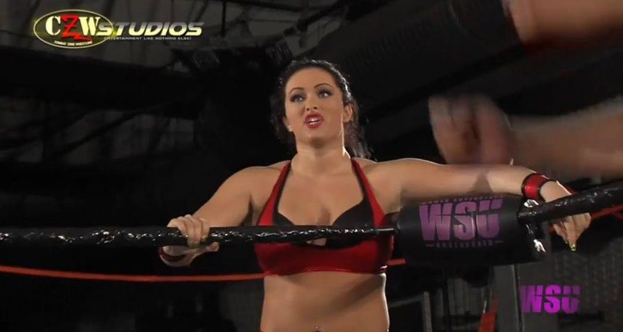 Maria Manic wrestler