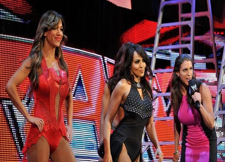 Vickie Guerrero vs Stephanie McMahon