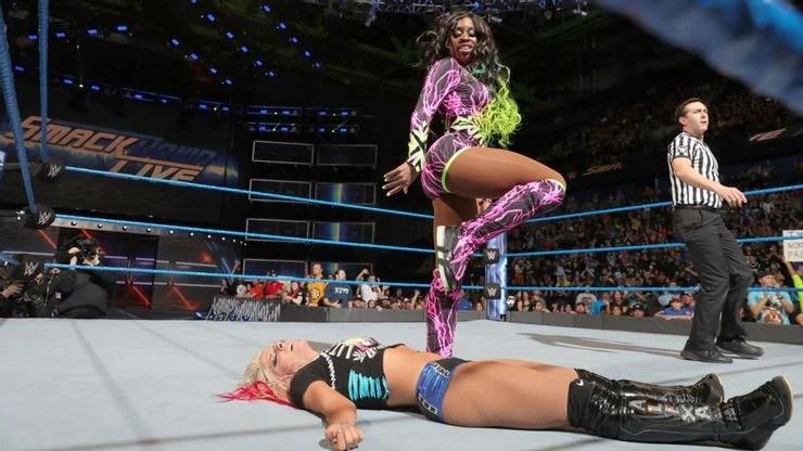 Alexa Bliss lost to Naomi