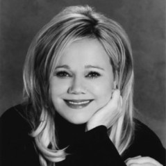 Actress and Comedian Caroline Rhea will take the stage of the Reg Lenna Center for the Arts in Jamestown, N.Y. on Thursday, Aug. 7 as part of the 2014 Lucille Ball Comedy Festival.