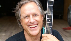 [LISTEN] Arts on Fire – No Sign of Slowing Down: Rolling Hills Performance Part of a Busy Year for Tom Chapin