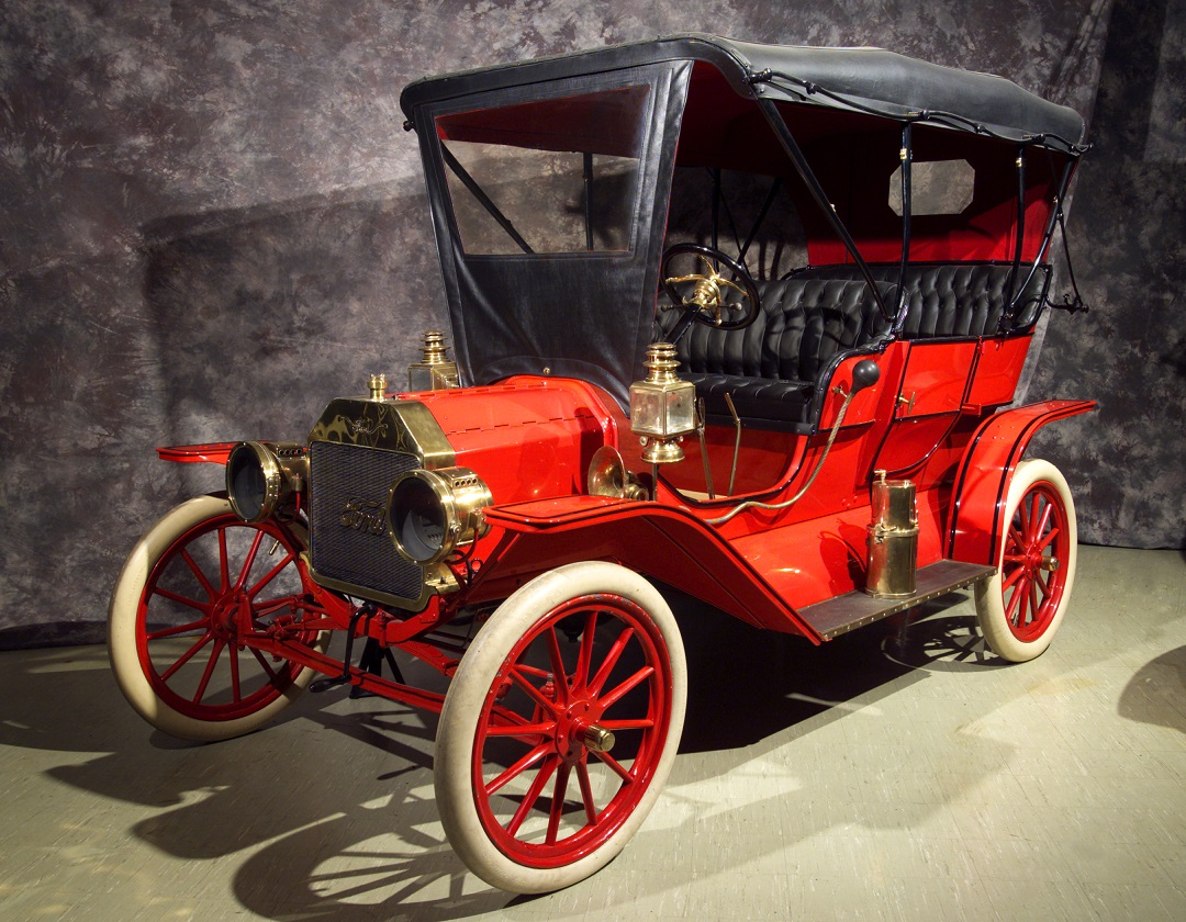 Autos   Western Reserve Historical Society 1909 Ford Model T Touring The Model T was introduced in October of 1908   Two door touring car with a red body and frame with black trim