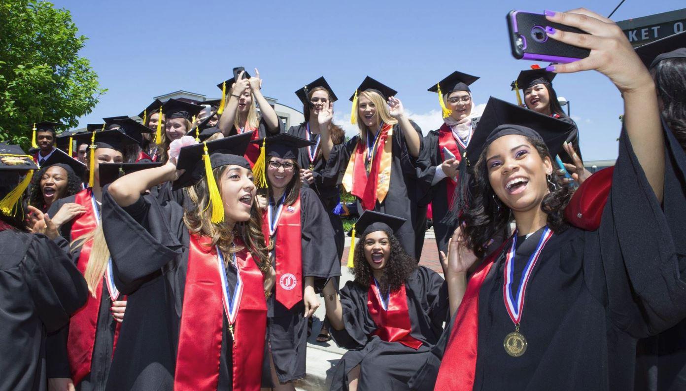 graduates_418709