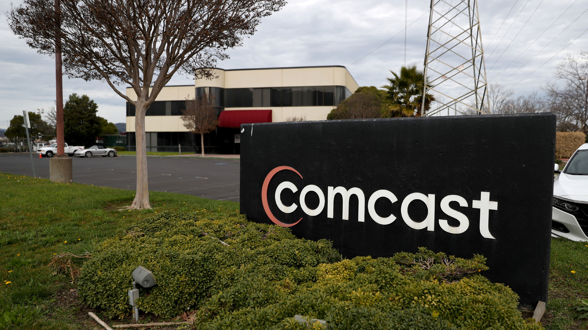 Comcast To Offer Free Internet To Low Income Families During Coronavirus Pandemic 8news