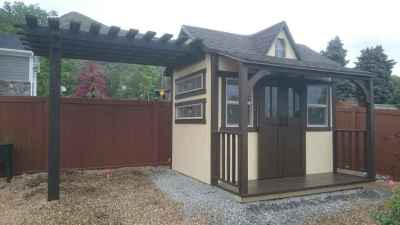 cottage with pergola