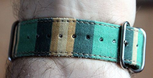 Suigeneric-Watch-Strap-Blanket (3)