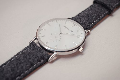 rossling-and-co-watch-1