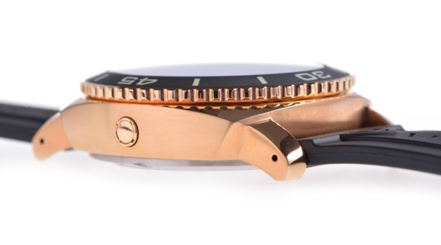 Magrette Moana Pacific Professional 03