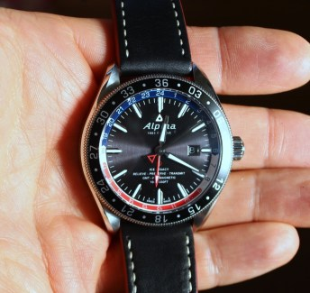 Alpina-GMT-4-Business-Hours-3