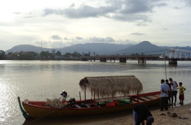 Nadrzeczny Kampot – kolonialne miasto Kambodży