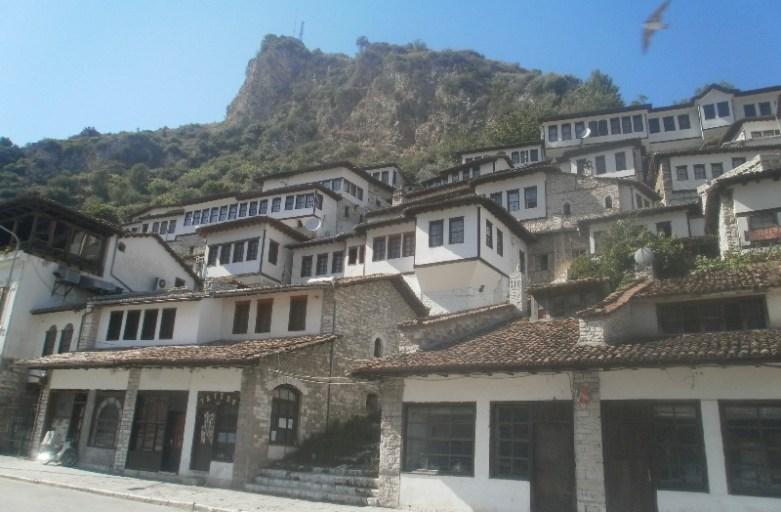 Berat – albańskie miasto-muzeum