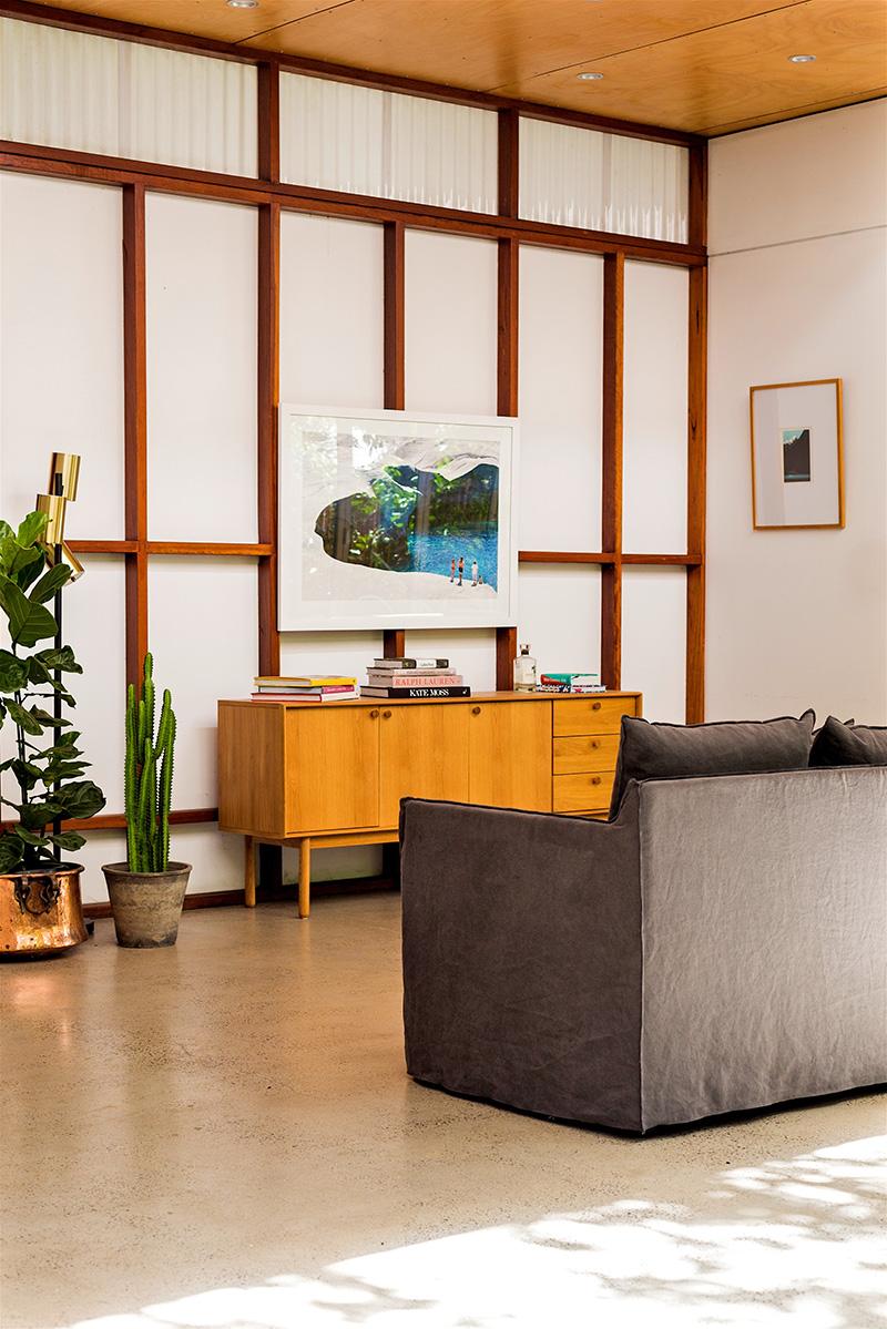 accessorise, studio, decorating, pot plants, books, magazines