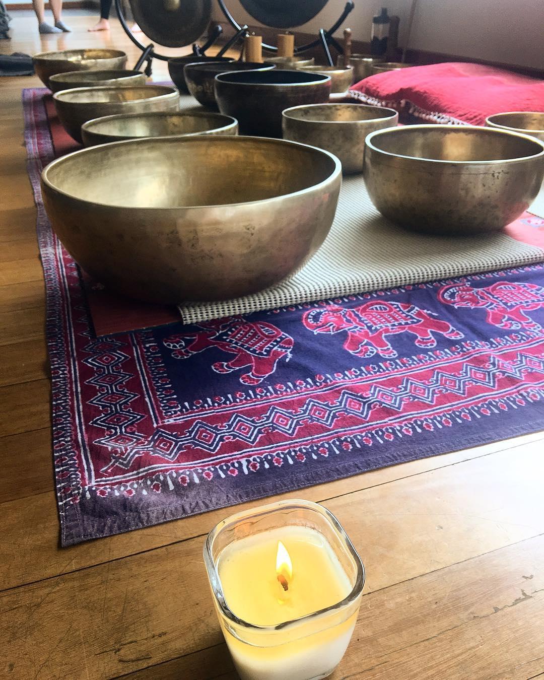 singing bowls, tibetan, yoga, healing, sound healing