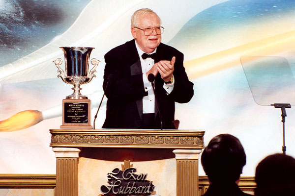 Algis Budrys accepts his L. Ron Hubbard Lifetime Achievement Award.