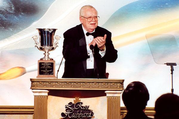 Algis Budrys accepts his L. Ron Hubbard Lifetime Achievement Award.