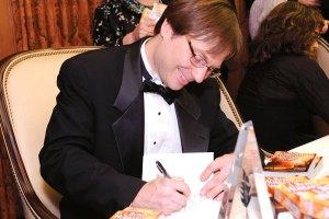 Al Bogdan autographs