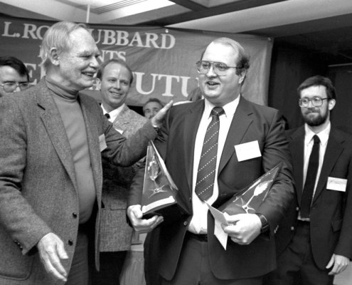 David Farland winning Writers of the Future Contest in 1987