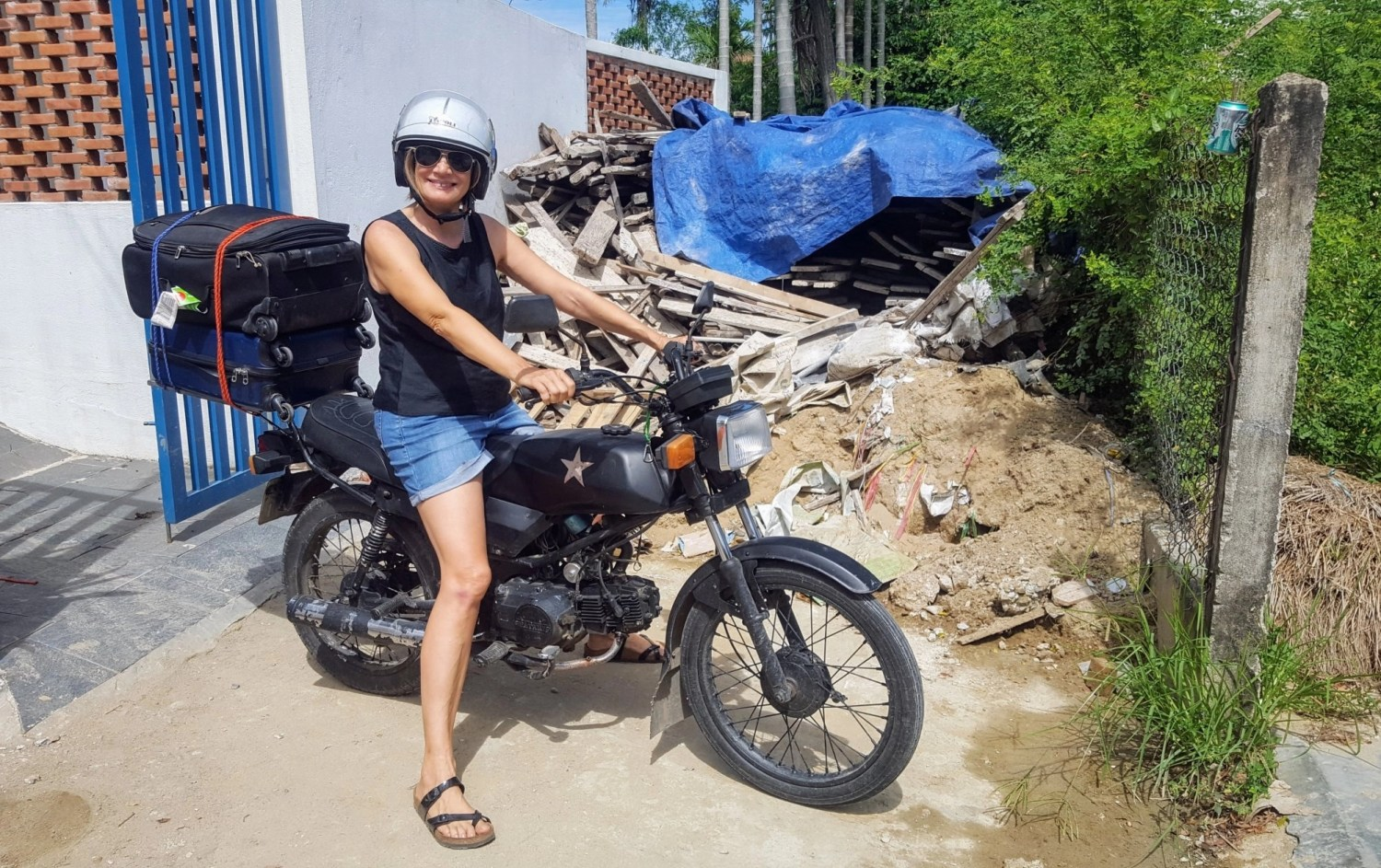 Moving House Vietnam-style. Location independence in action at Write Your Journey