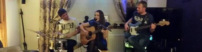 Niamh Dooley sings the blues in Ballinagar