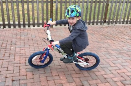 Luke riding without stabilisers!