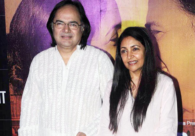 Farooq Sheikh and Deepti Naval re-unite after 30 years - Movies News