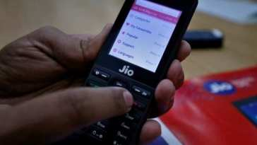 How to download YouTube videos on JioPhone