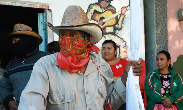 Juchitán-Oaxaca-Zapotec-Indian-resistance-to-building-one-of-largest-wind-farms-in-Latin-America-despite-death-threats-from-paramilitary-groups-paid-by-companies-Photo-Santiago-Navarro-F.