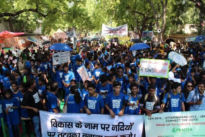 delhi-india-avaaz-wear-blue