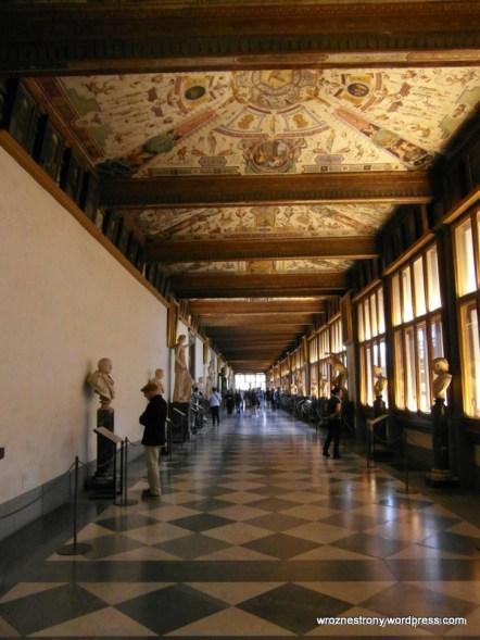 Wnętrze Galerii Uffizi