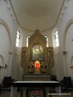 Ołtarz w Kościele Matki Boskiej Bolesnej w Poznaniu