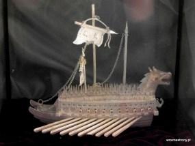 Piękny model statku z kości słoniowej