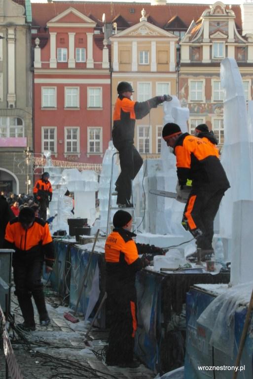 Międzynarodowe ekipy przy pracy