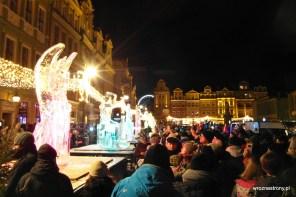 Tłumy ludzi oglądało rzeźby lodowe w Poznaniu