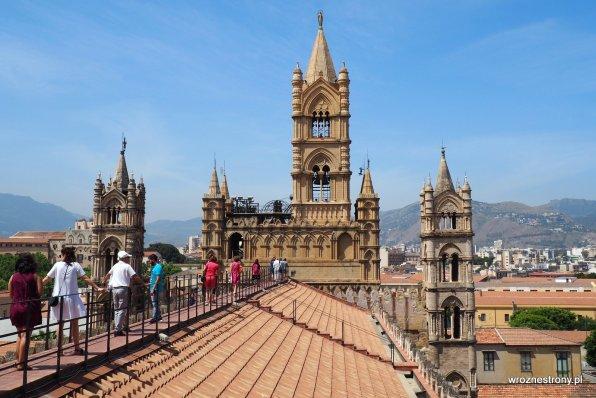 Na dachu katedry w Palermo