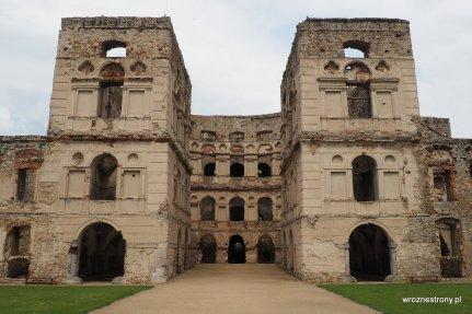 Ruiny zamku Krzyżtopór w Ujeździe