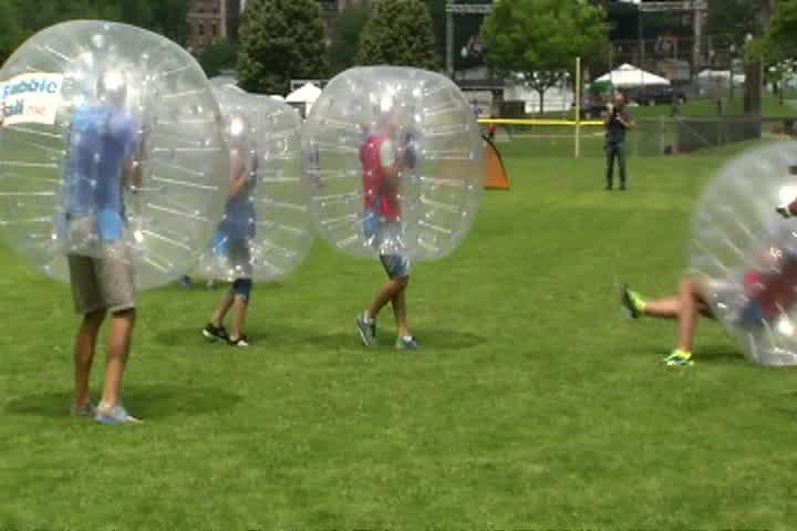bubble soccer_118757