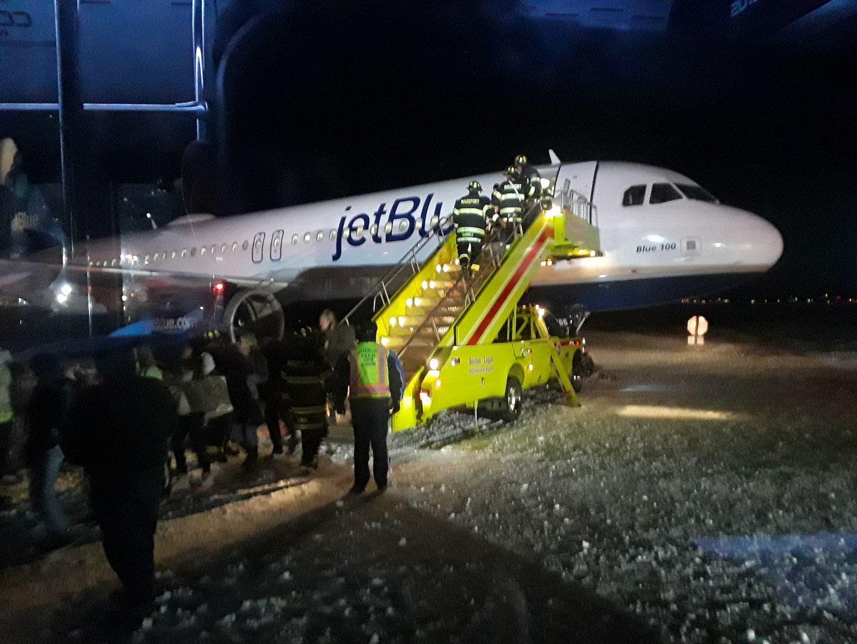 Flight 50 Jet Blue (Corbett)_345875